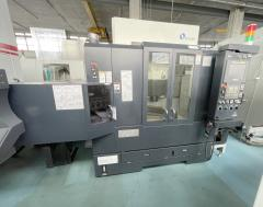 Vertical machining center MAKINO V 33i